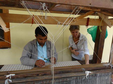 ortie-hymalaya-artisanat-coussin-karawan